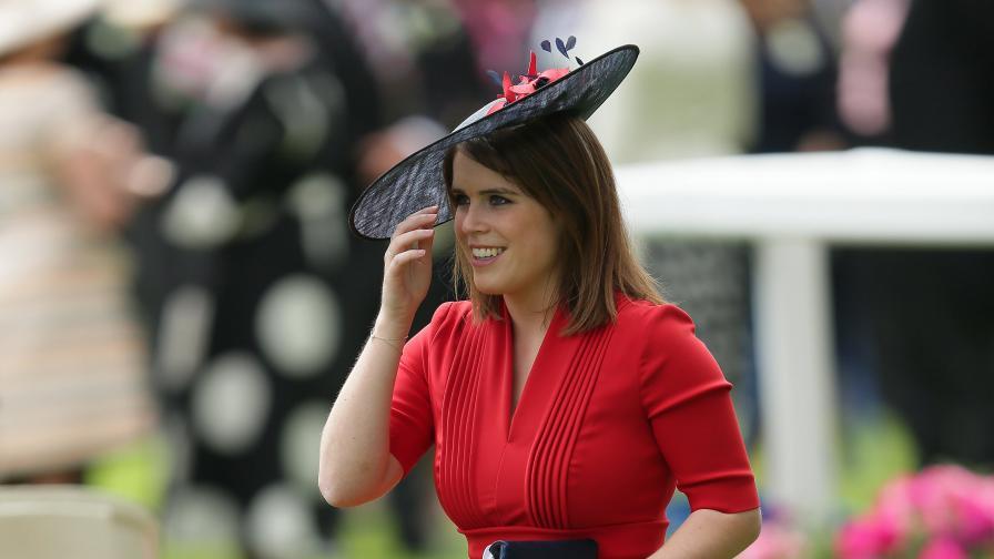Внучката на британската кралица се сгоди за бивш сервитьор