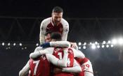 Нови и стари герои за Арсенал се подиграха с клетия Евертън