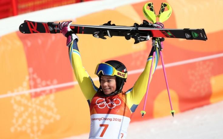 Шведски триумф в слалома, Киркова на 35-о място