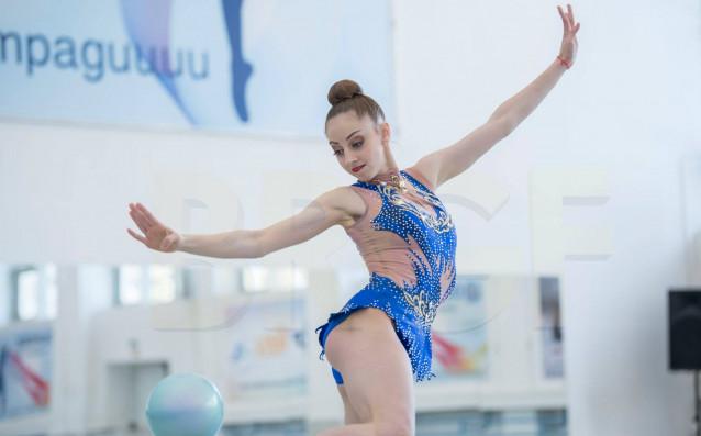 Българската състезателка по художествена гимнастика Боряна Калейн спечели златото на