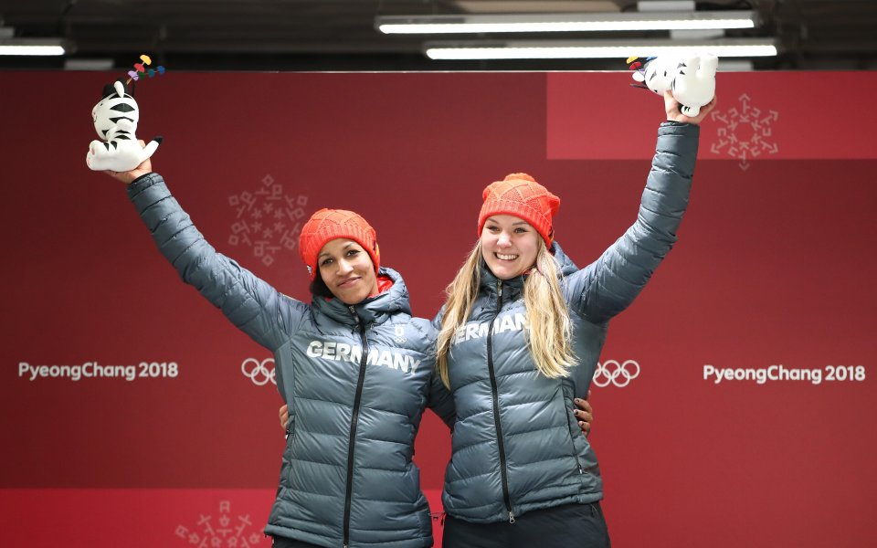 Германия изненада фаворитите за олимпийска титла в двуместния женски бобслей