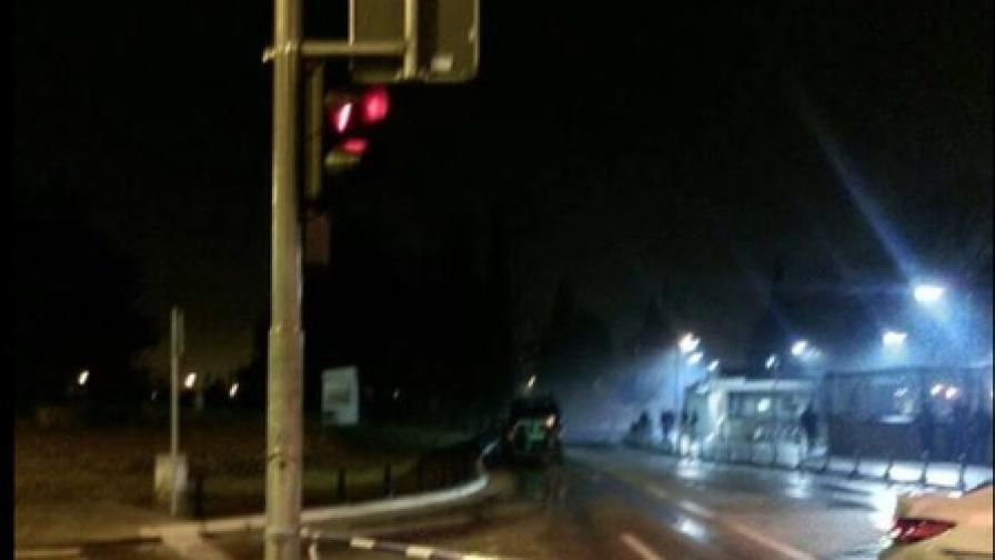 Мъж хвърли граната по US посолството в Подгорица и се самоуби