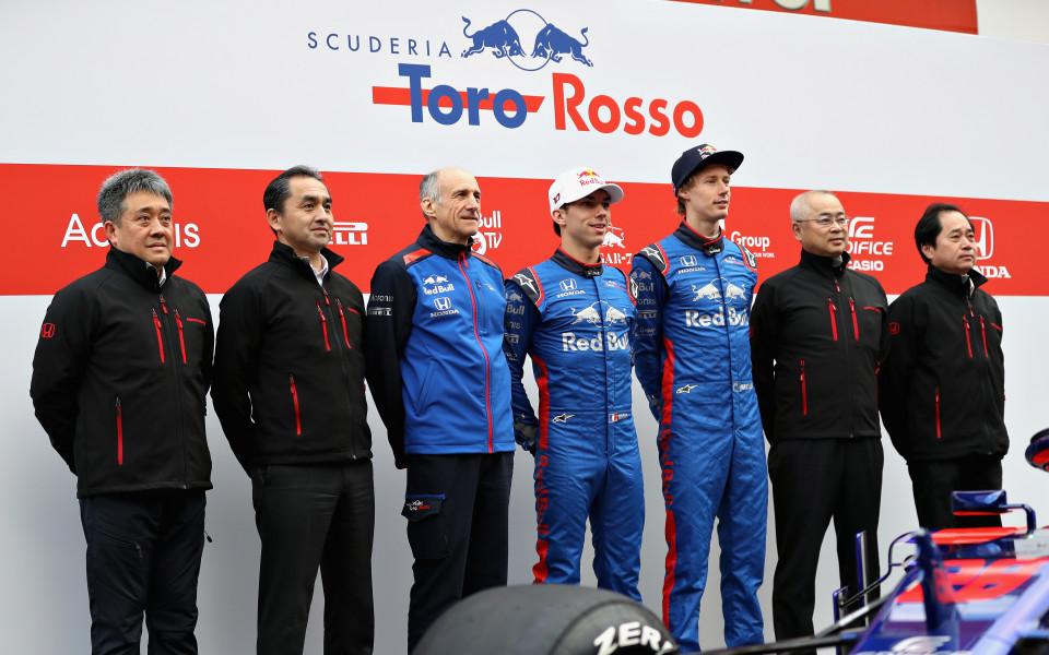 Новото Торо Росо на пистата в Барселона