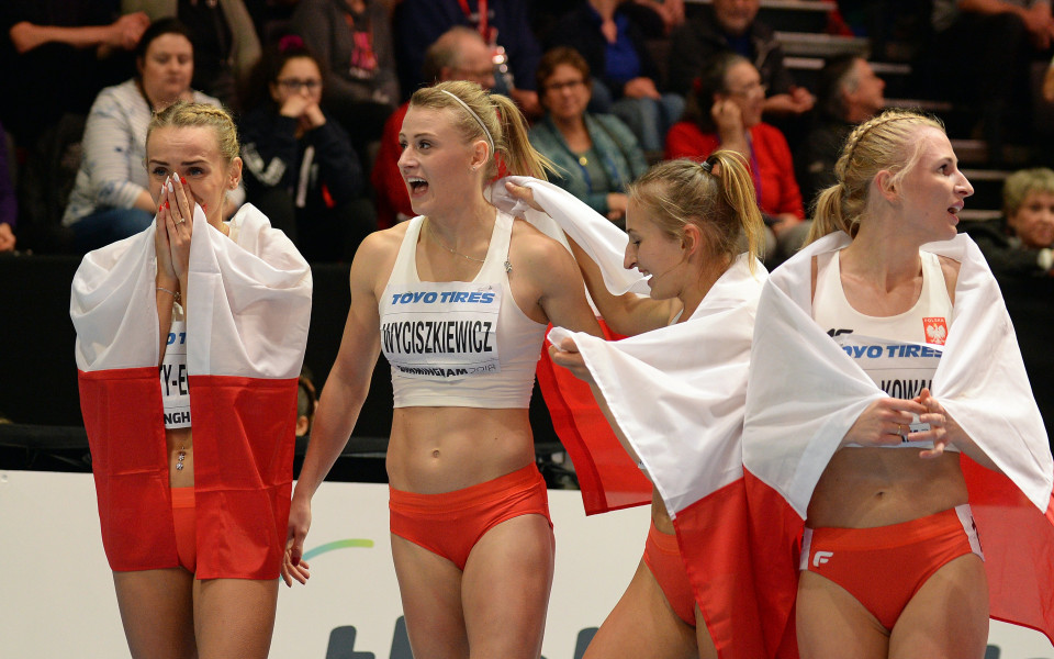 на полските лекоатлетки след спечелен сребърен медал