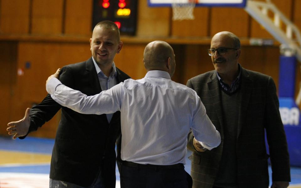 Левски Лукойл взе нов чужденец и би черногорци