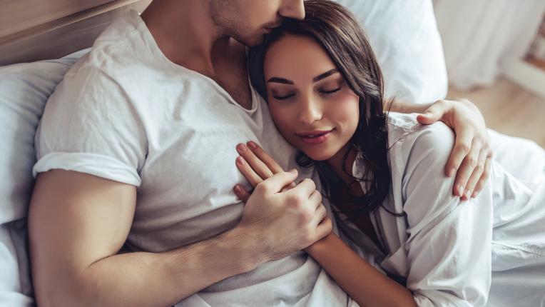 За по-добър сън правете повече секс (ама хубав!)