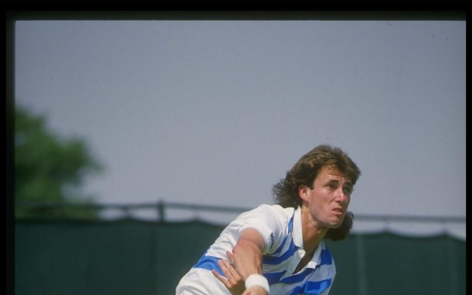 Бивш №1 в тениса почина на 54 години
