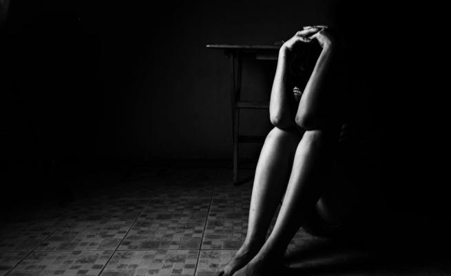 Арестуваха ученик, изнасилил непълнолетна в Шумен