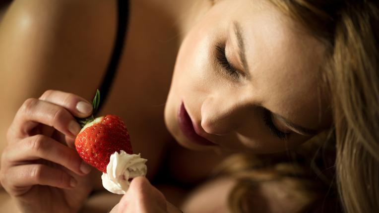 За по-страстен секс, хапвайте този плод...