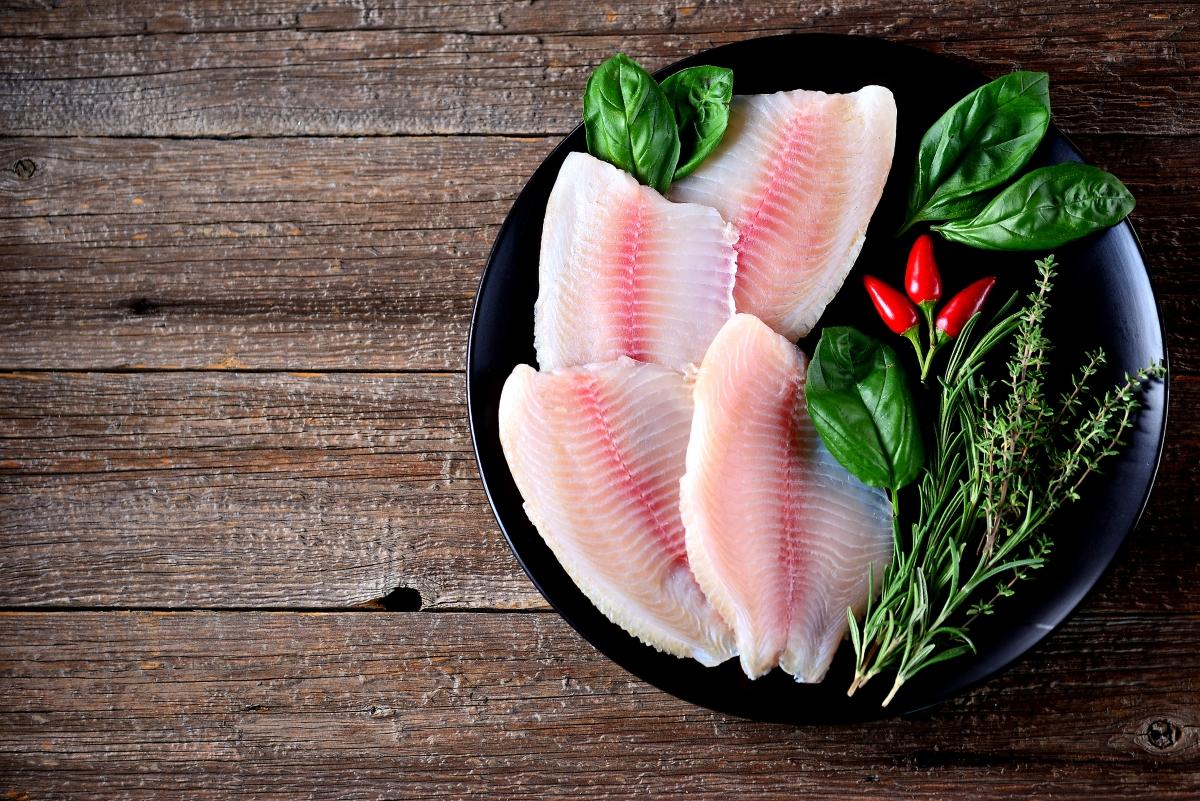 В парче печена риба и в частност - сьомгата, можете да получите до 40 процента от необходимия ви витанин B6 и В12.
