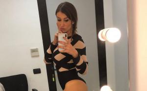 Секси репортерка не крие любовта си към Рома