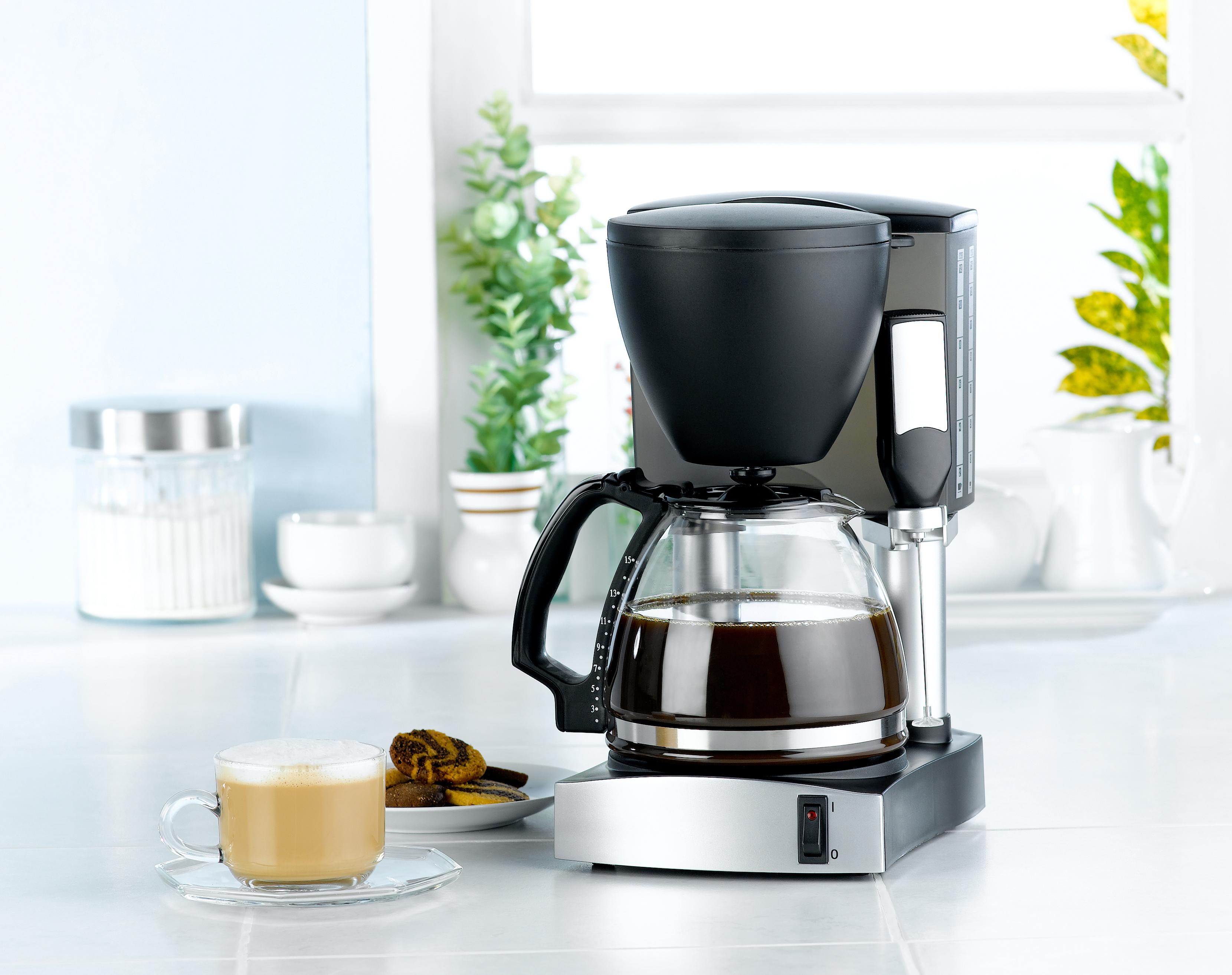 Почиствайте добре и машината за кафе, без значение дали е за еспресо и шварц кафе. Най-опасното място е контейнерчето за вода.