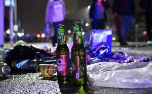 Полицията в Амстердам арестува 90 запалянковци от Англия