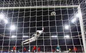 Топ вратари се оплакват от топката за Мондиала