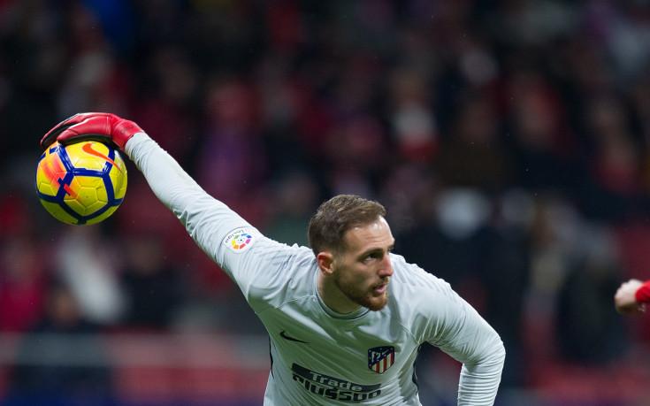 Атлетико Мадрид предложи нов договор на Облак