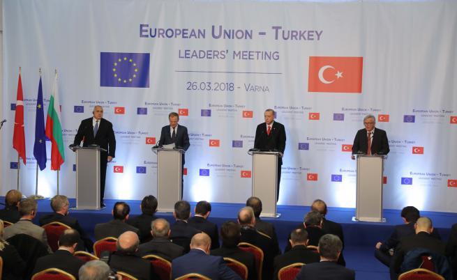 В медиите: Европа симулира наслада от турския локум и шамар за Ердоган