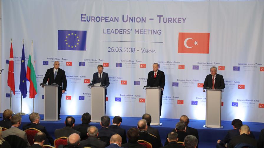 Европа симулира наслада от турския локум и шамар за Ердоган