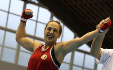 Мелис Йонузова със загуба на Световното по бокс