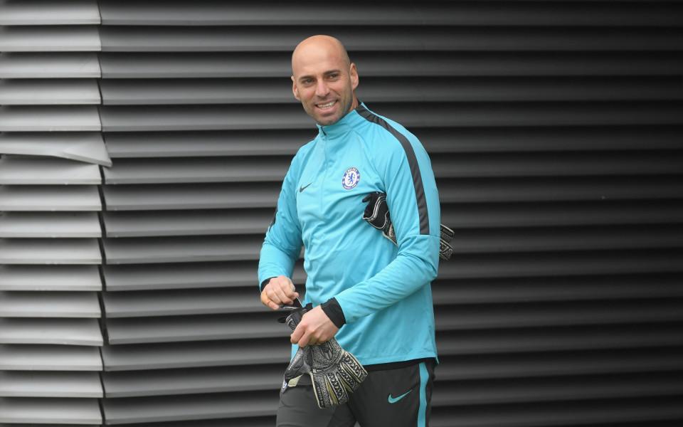 Вратарят Уили Кабайеро подписа ново споразумение с Челси. Новият договор