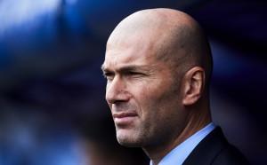 Байерн избута Юнайтед, стартира преговори със Зидан