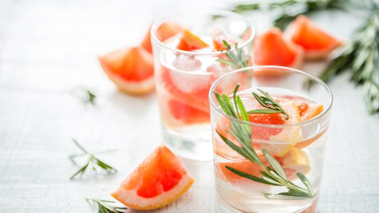 5 причини да пиете сутрин вода с грейпфрут