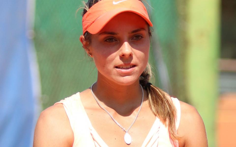 Вики Томова срещу Серина Уилямс след мача на Федерер