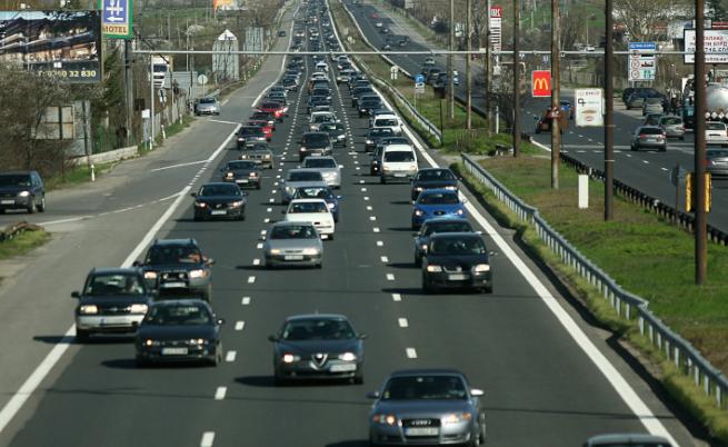 Ще скочат ли данъците за старите коли