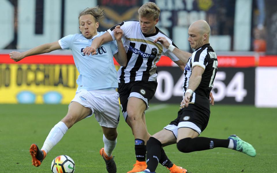 Защо играчите на Удинезе играха с различни фланелки срещу Лацио?