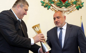 Премиерът Борисов към Ганев: Разчитаме нашите момчета да зарадват българите