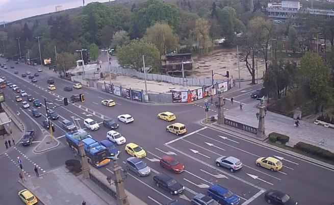 Ранена полицайка на мача ЦСКА -