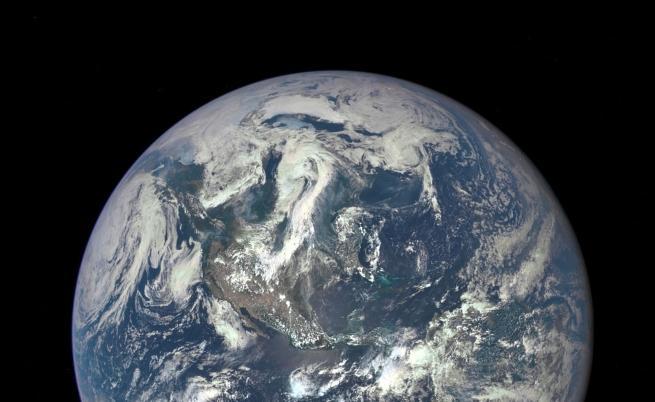 Изтерзана, замърсена и измъчена: един ден на нашата Земя