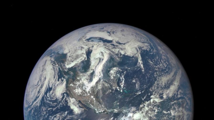 Учени разгадаха аномалия с магнитното поле на Земята