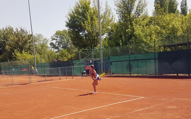 Водачката в схемата на тенис турнира за юноши и девойки