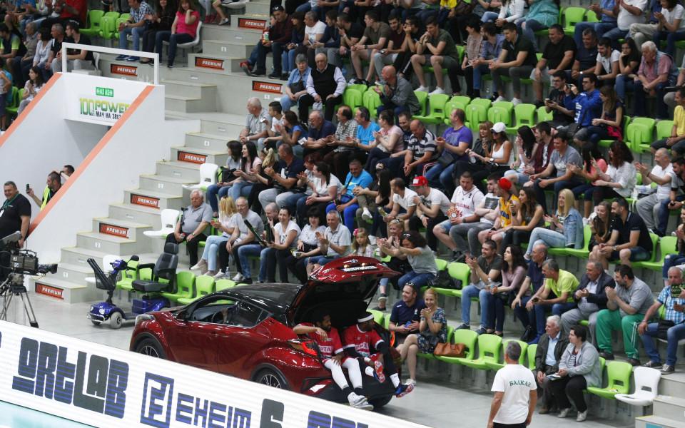 Зрелище в Мача на звездите в българския баскетбол