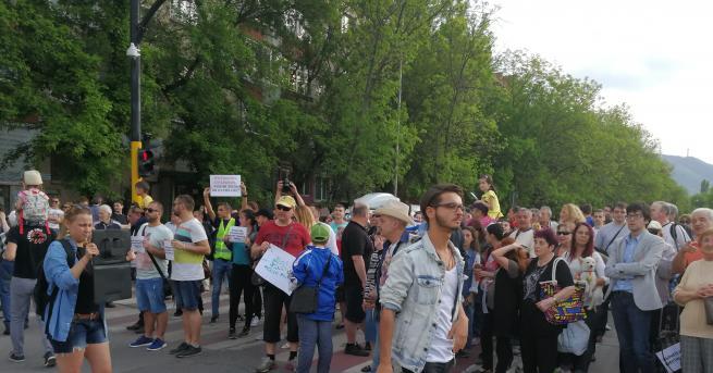 """Жителите на квартал """"Лозенец"""" блокираха булевард """"Арсеналски"""" в знак на"""