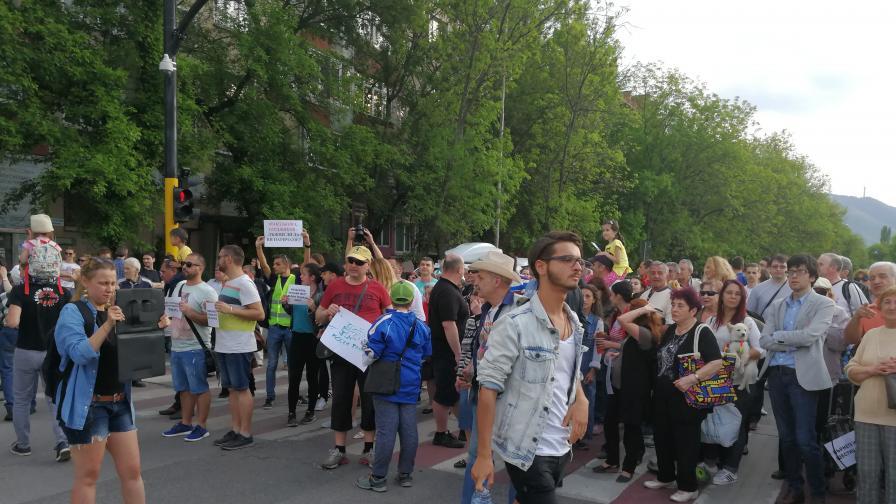 """Протест в """"Лозенец"""", хората искат трамвай №6"""
