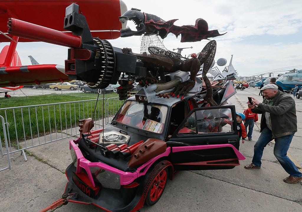 Чужой (Alien) Fiat 126 с двигател на BMW 730