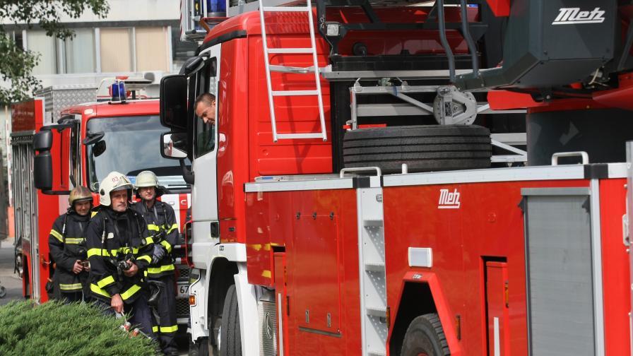 Голям пожар в Пловдив, две деца са в болница