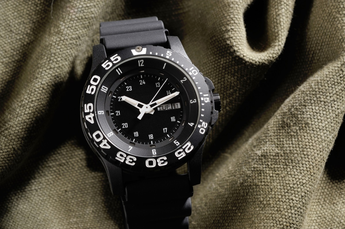 """Пилотски часовник - хората, ценители на този тип часовници, са много точни. Както в буквалния, така и в преносния смисъл, разбира се. Държат на думата си и спазват всяко свое обещание. Сроковете не са някакви """"хвърчащи думички от общ характер"""". Спазването им е задължително. Ако имате среща с такъв човек – не закъснявайте! Ако правите бизнес с него – можете да бъдете сигурни в отговорността му."""