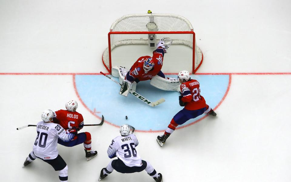 САЩ разгроми Норвегия за място в топ 8 на Световното по хокей