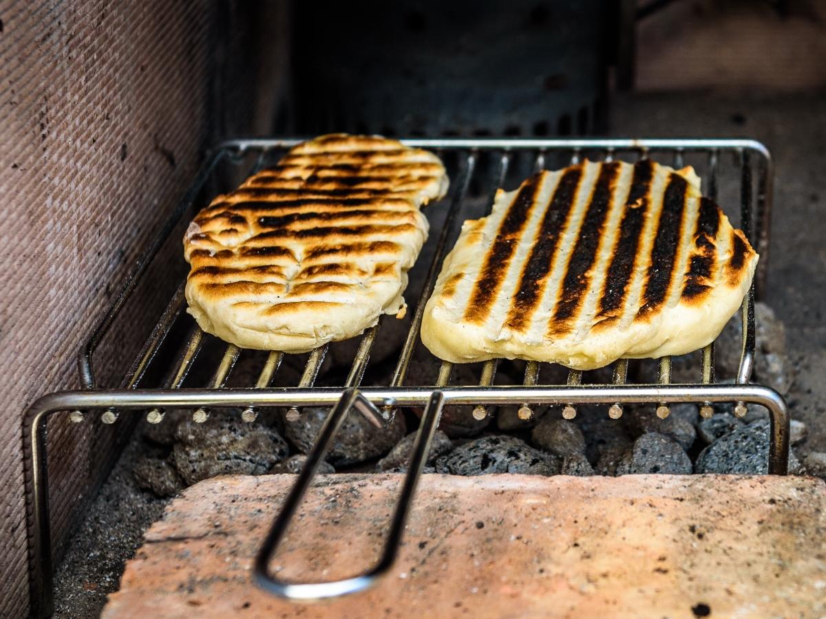 Планирайте перфектното меню<br /> Ако очаквате по-малка група от гости, може да добавите и допълнителни екстри като домашни хлебчета или пърлени на жар.