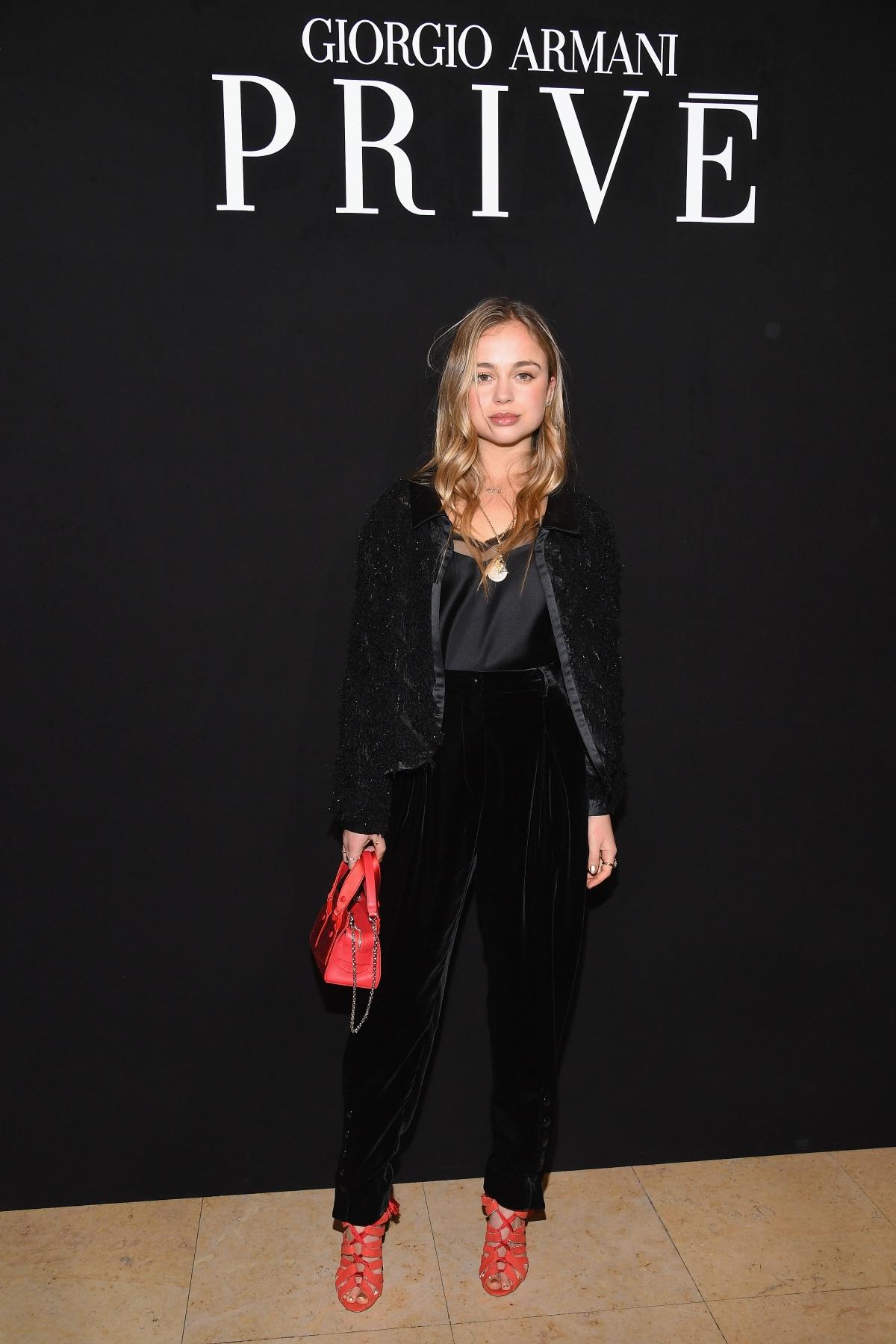 Амелия Уиндзор е трета братовчедка на принцовете Уилям и Хари. Известна е с проявите си като модел, а сп. Тatler я обявява за най-красивата персона от кралското семейство.