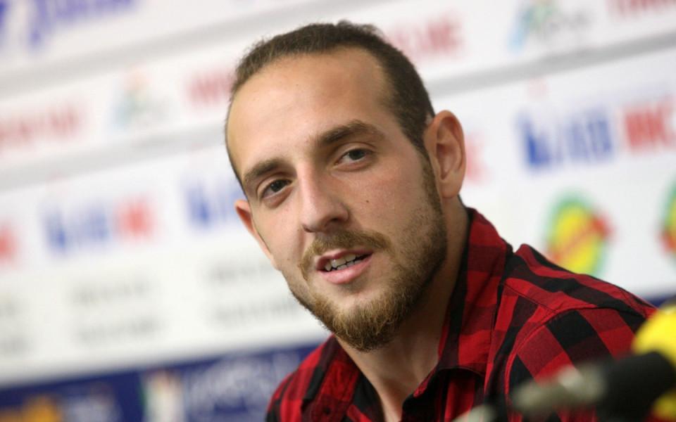 Стивън Петков напусна Фейренсе, ще играе в Чехия