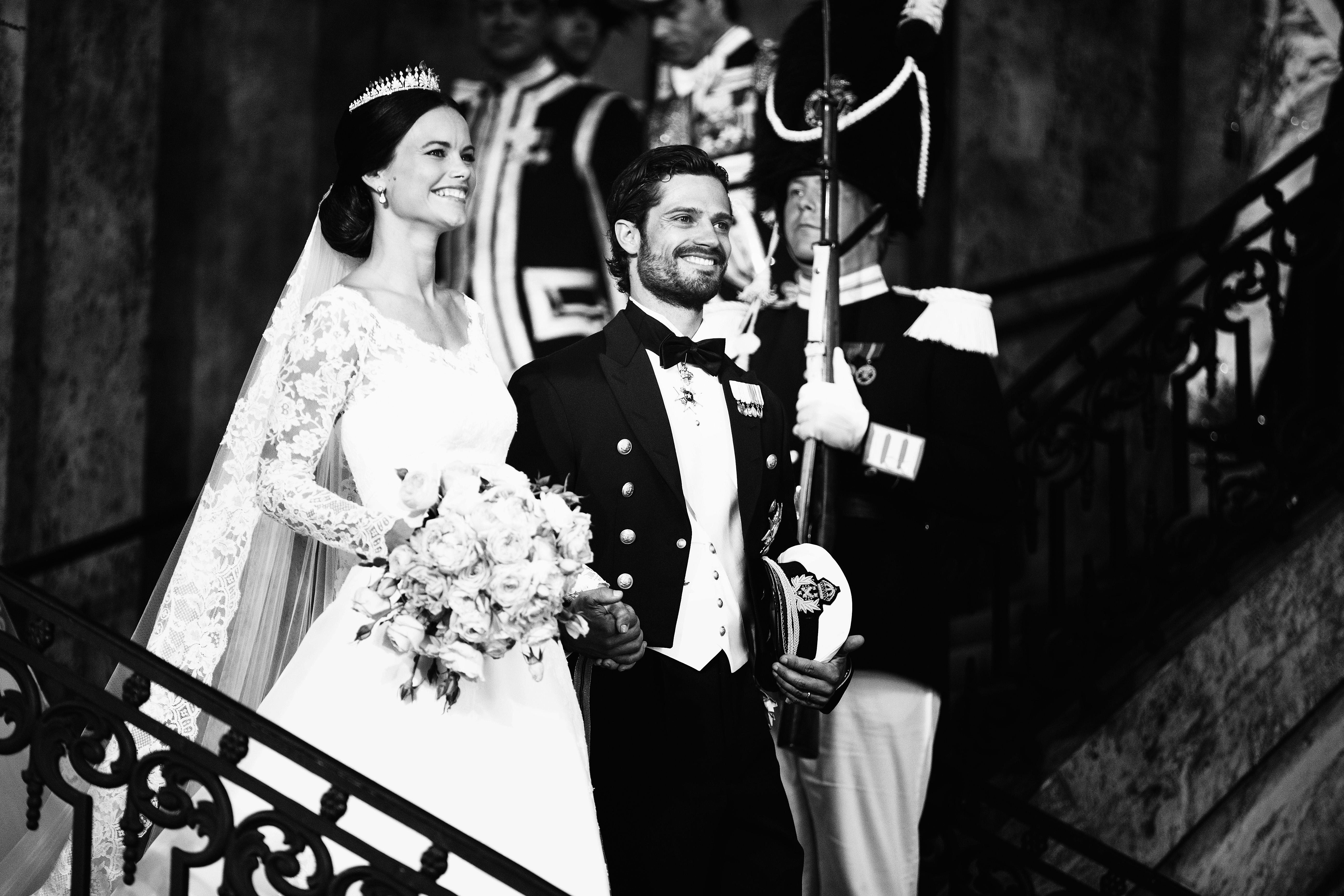 Принц Карл Филип и принцеса София -бившата риалити звезда и модел. Сватбата бе през 2015 г. Церемонията се състоя в присъствието на кралското семейство, представители на правителството и парламента, приятели и роднини на булката и младоженеца. Свидетели на събитието станаха и гости от много страни, включително принцове и принцеси.Церемонията се излъчваше по телевизията в Швеция и съседните Дания, Финландия и Норвегия. <div></div>