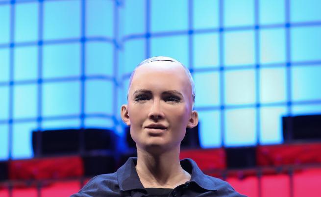 5000 безплатни билета за среща с първия робот в света с гражданство