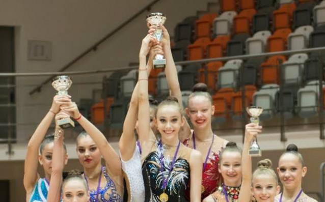 Първият тим на клуб Левски Триадица спечели титлата при девойките