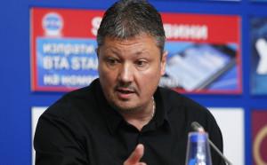 Пенев искал да е като Фъргюсън в ЦСКА, Балъков - фаворит