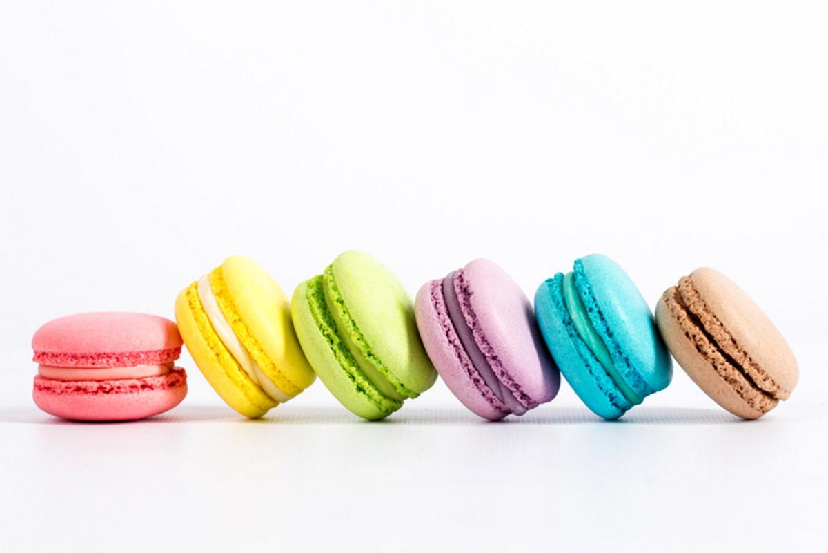Синтетичните оцветители. Има едно основно правило, че ако храната, която приемаме очевидно не е в естествен цвят, е по-добре да не я консумираме.