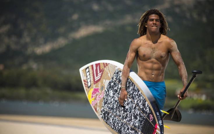 Световният шампион по кайтсърф пристига в България