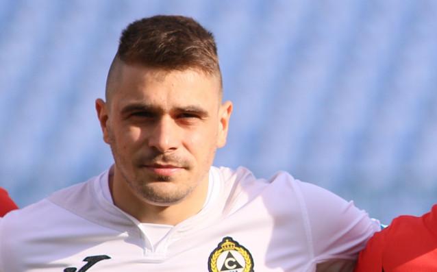 Поне трима футболисти напускат Славия през лятото заради изтичащи договори.